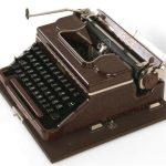 """Maszyna do pisania """"Voss"""""""