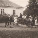 Goście w Czombrowie przed I wojną. Fot. Karol Karpowicz